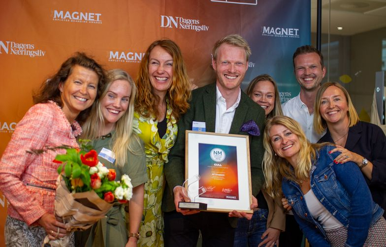 Representanter fra AF Gruppen og Trigger under utdelingen. Foto: Magnet Awards