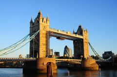 London, Tower Bridge - foto iStockphoto.com