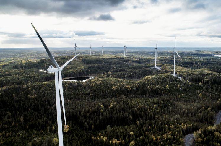 Illustrasjon: Vindparken Åby-Alebo vil bygges på samme måte som Stena Renewables Vindpark Kronoberget i Lekeberg kommune, som nylig har blitt tatt i bruk.