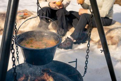 Rivesuppe er en grønnsaksuppe som er enkel og rask å lage ute.