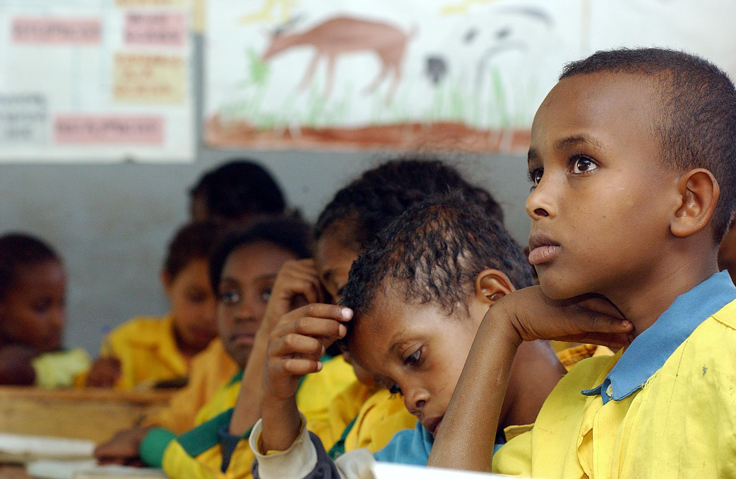 Skolebarn i klasserom
