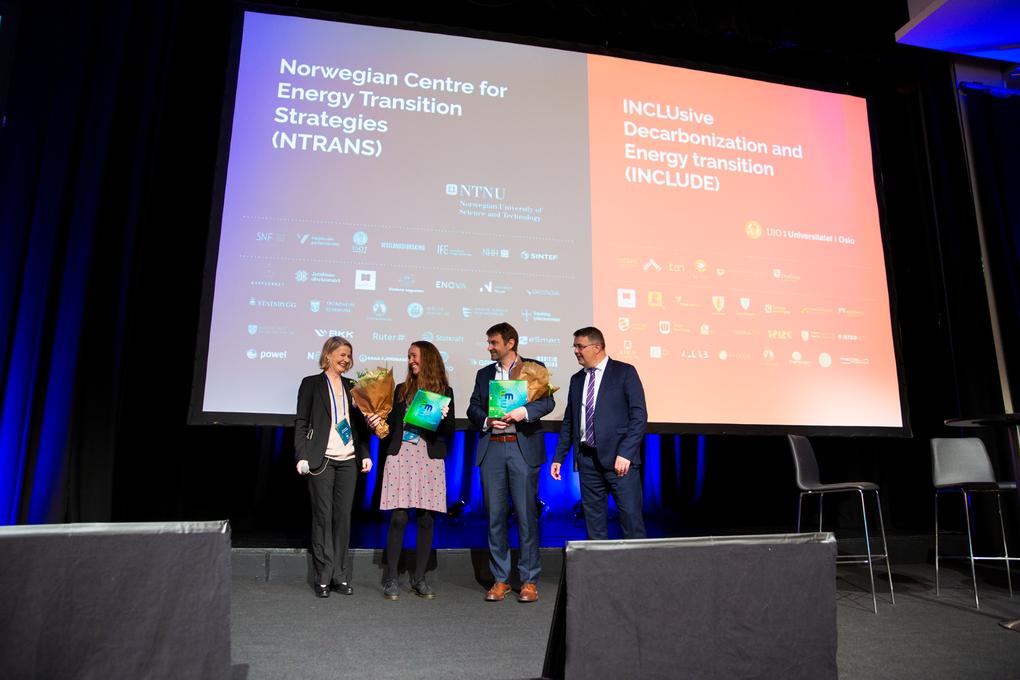 På bildet er Tone Ibenholt (Forskningsrådet), Tanja Winther (INCLUDE), Asgeir Tomasgard (NTRANS), Olje og energiminister Kjell-Børge Freiberg under tildeling av FME-status 21. mai 2019.
