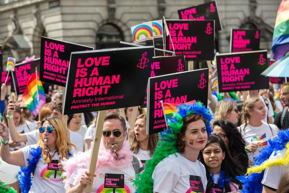 LHBTQI+ er ikke nevnt i FNs bærekraftsmål. Likevel mener FN at å sikre skeives rettigheter er avgjørende for å nå målene. Foto: Unsplash/Ian Taylor