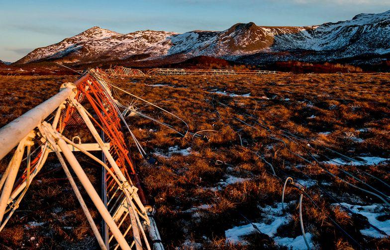 Riving av Loran-C i Vesterålen. Foto: AF Gruppen/Fartein Rudjord