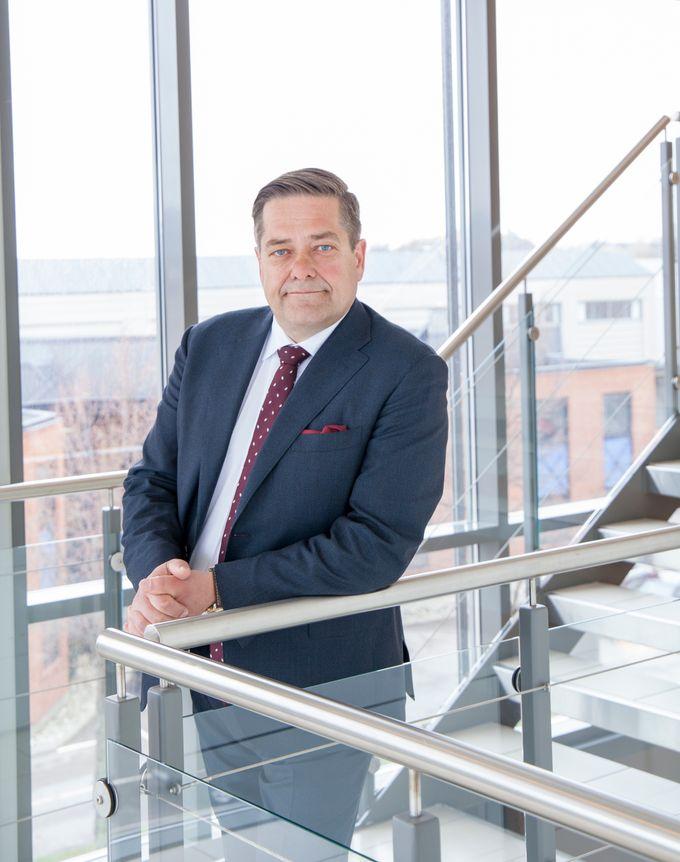 Nokas planlegger tidenes største oppkjøp - kjøper AVARN Holding av Sector Alarm Group