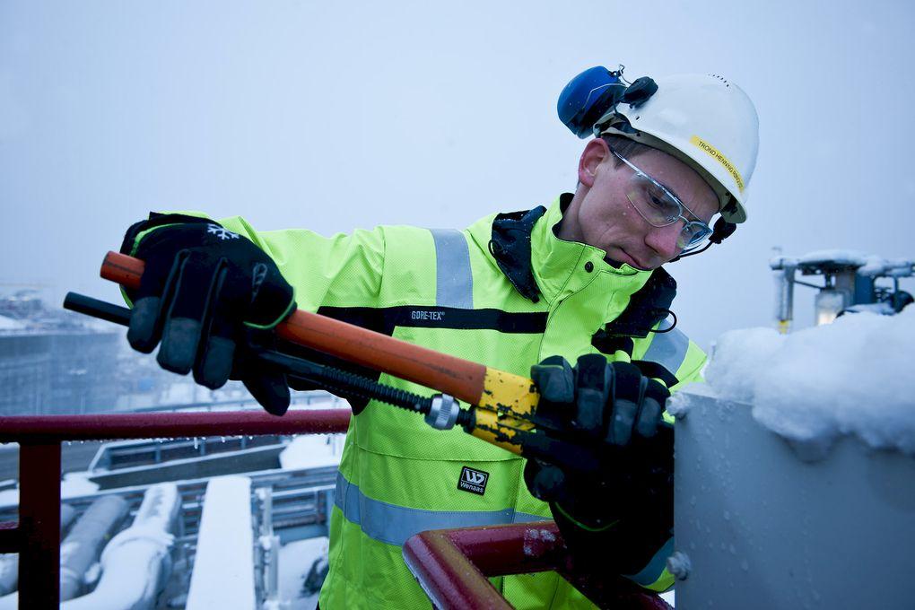 Regjeringen gir 50 millioner ekstra til utvikling av teknologi innen petroleumsnæringen gjennom programmet DEMO 2000 i Norges forskningsråd. Illustrasjonsbilde: Wenaas Workwear