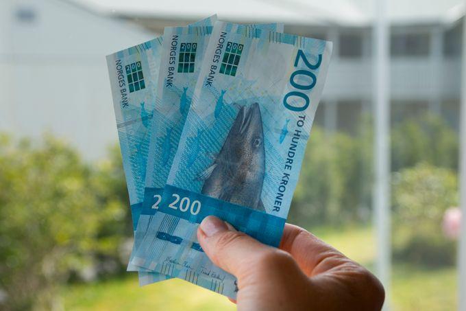Konfirmanter ønsker seg kontanter, mener Anisa Solvang i Nokas Cash Handling.(Colourbox)