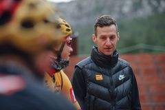 Kurt Asle Arvesen in dialogue with the riders during a training camp in Spain. Photo: Jan Brychta.