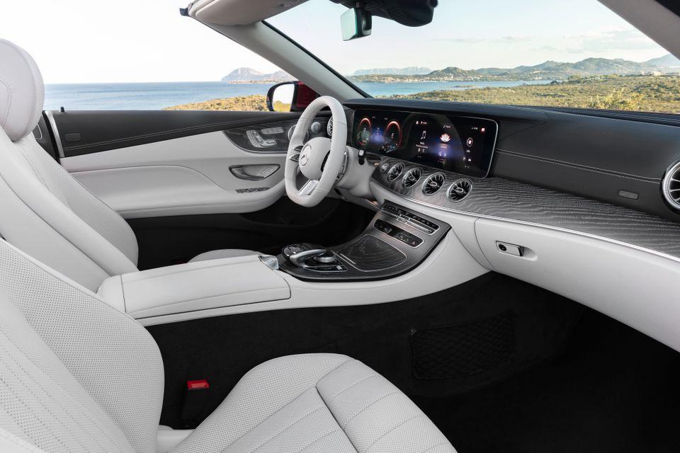 Interiøret i Mercedes-Benz E-Klasse Cabriolet